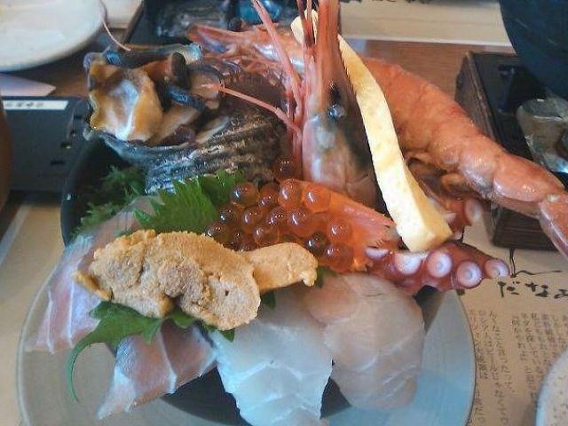 美味しい海鮮のお店もいっぱいあります!