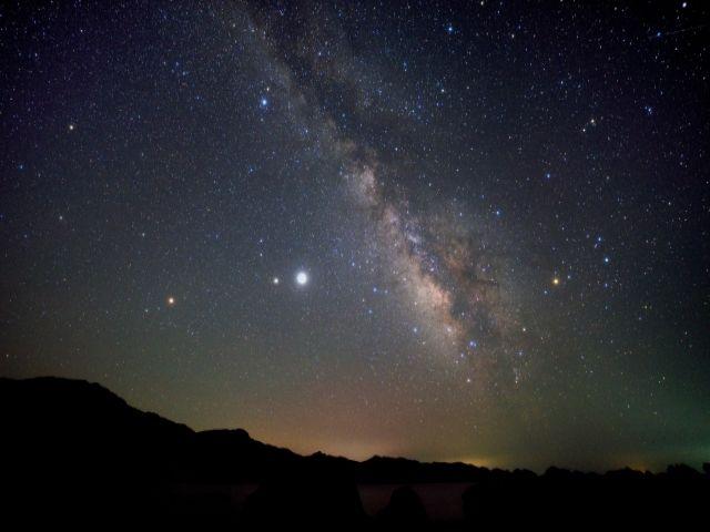 山間の温泉地なので夜は天気が良ければ、満点の夜空を見ることができますよ☆
