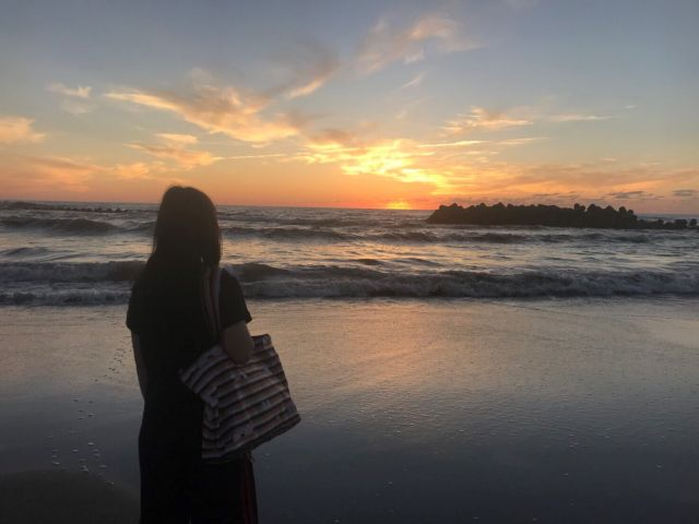 夕日がとってもきれいです♪海岸沿いをお散歩して気分もすっきり・・・♪