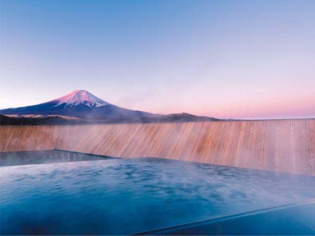 館内温泉は嬉しい入浴可☆富士山を臨みながらお仕事の疲れを癒しちゃってくださいね♪
