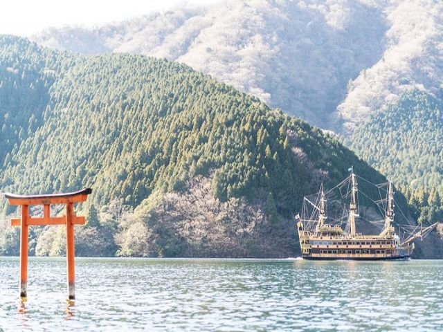 芦ノ湖沿いの自然豊かな環境。非日常的な生活を体験してください!