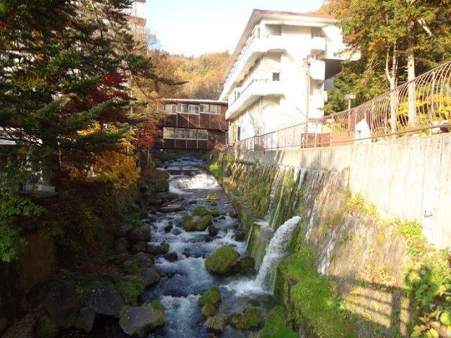 敷地内には川は流れ、マイナスイオンを感じられます(*゚▽゚)ノ