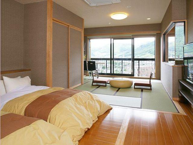 客室数100部屋超えの大型ホテル!従業員も多いので助け合いながらお仕事できます☆
