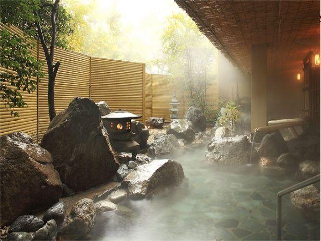 温泉街としても有名な石和温泉です☆