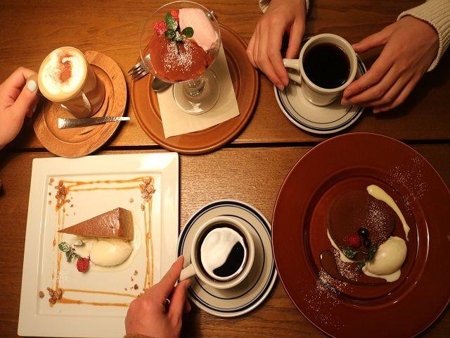 休日は仲間と一緒にオシャレなカフェに〜(^^♪ 仕事も休みも充実させよう!!