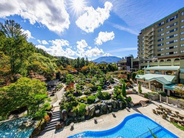 世界遺産「富士山」を一望☆山梨を代表するリゾートホテル!!