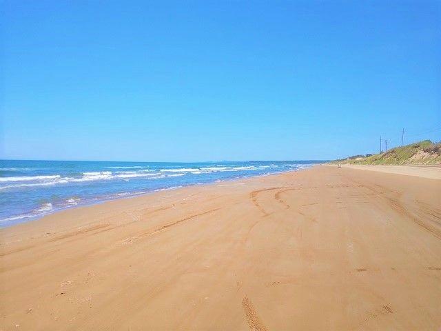 砂浜の上を車で走れちゃう!! お休みの日にレンタカーしてお出かけしちゃお!!