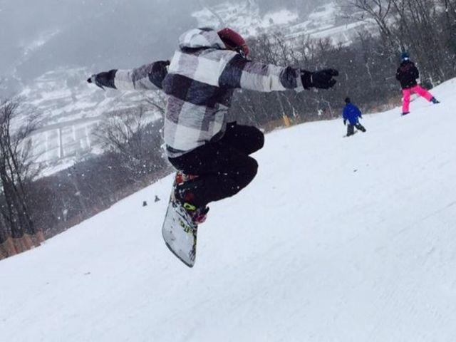 スキー場のホテル内にあるレストランでのお仕事!中抜け中にスキーも滑れますよ!