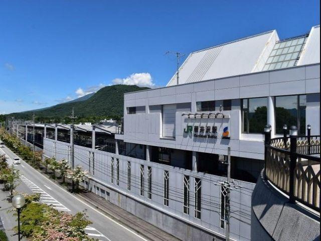 軽井沢駅近郊は買い物スポット多数!